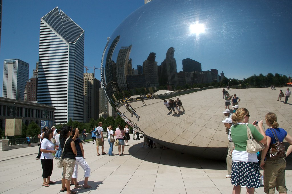 Big Shiny Object In Chicago Cloud Gate Sculpture By