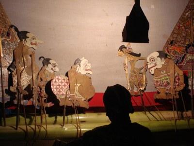 monolog story teller alias Dalang wayang kulit,the javanes ...