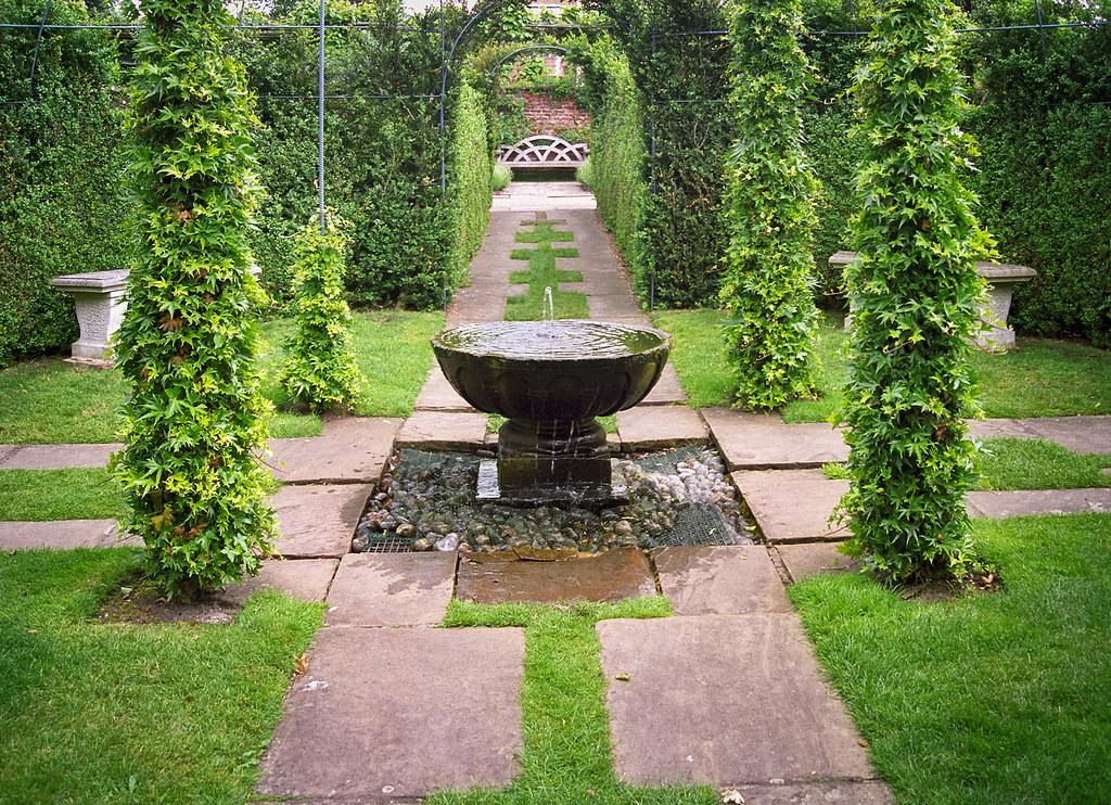 Water In English Gardens 22 Of 33 Hatfield House Garde