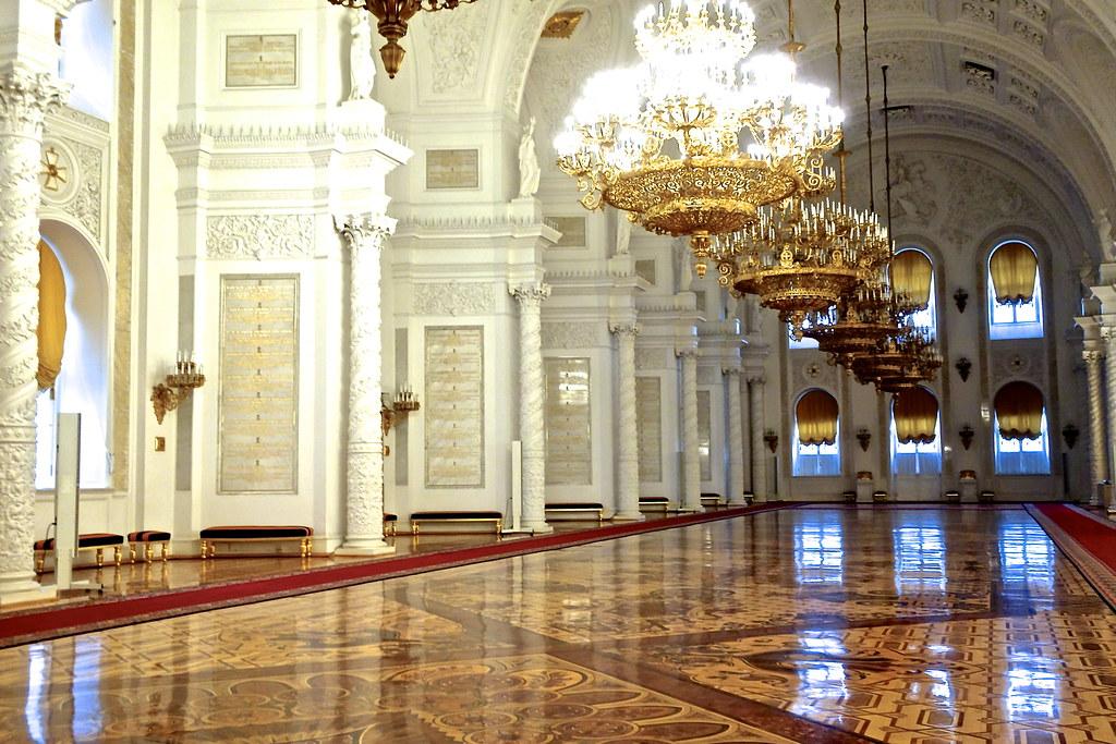 устанавливаются фотографии московского кремля изнутри ламинат специально