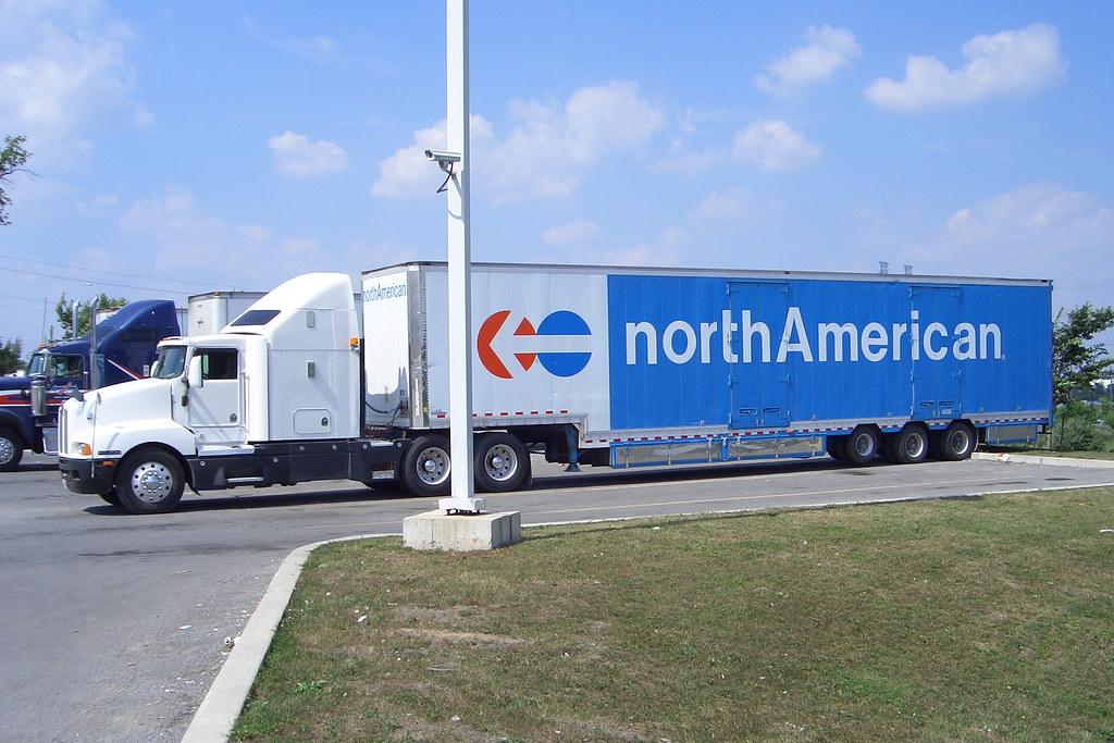 Unknown Kenworth truck and North American Van Lines drop-b ...