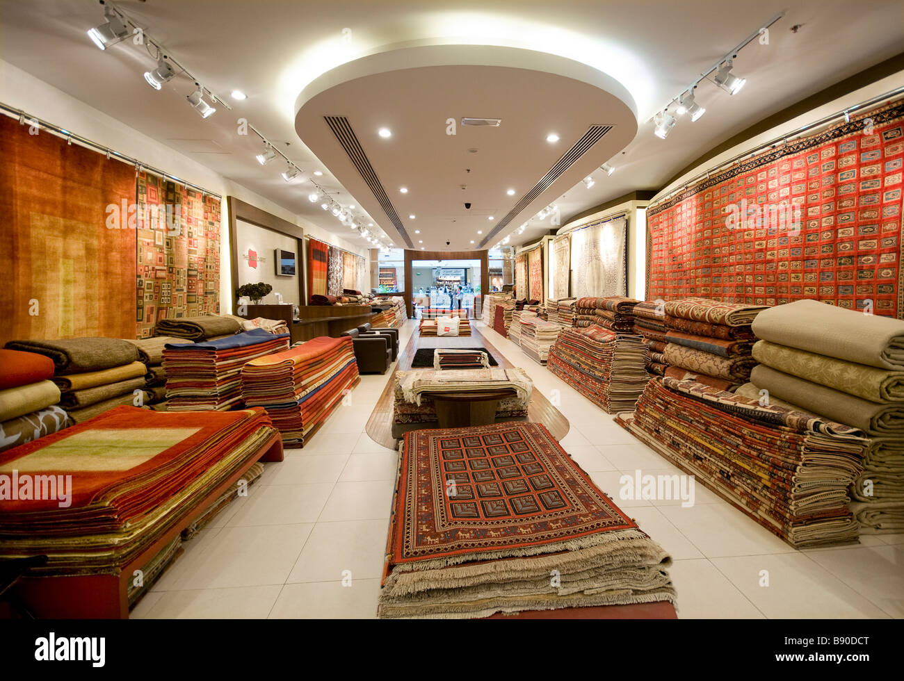 Carpet Store Stock Photos   Carpet Store Stock Images   Alamy rug and carpet store  shopping mall  dubai  uae   Stock Image