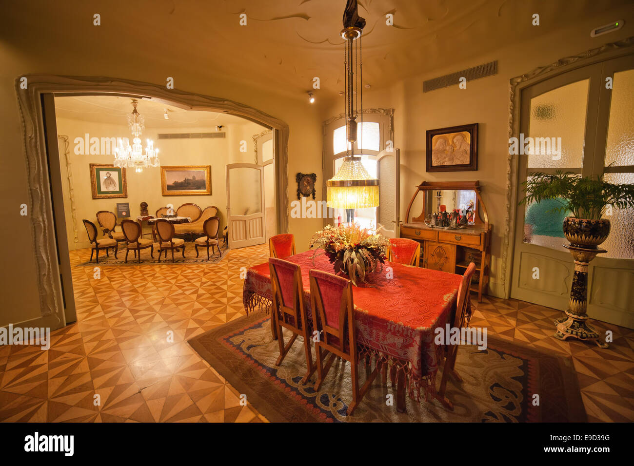Where Buy Dining Table And Chairs