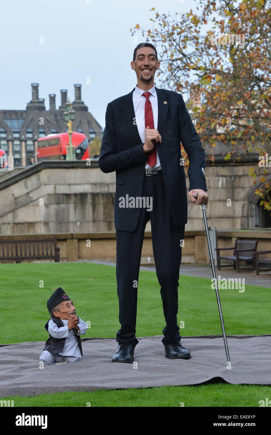 Smallest Man Lived Ever