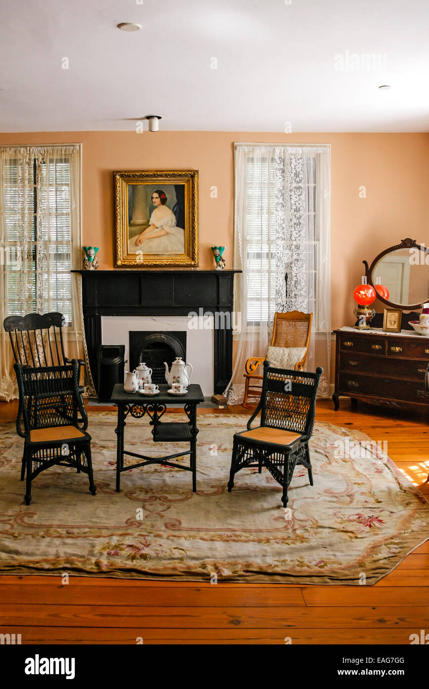 Interior of the First White House of the Confederacy and home to     Interior of the First White House of the Confederacy and home to President  Jefferson Davis in Montgomery Alabama
