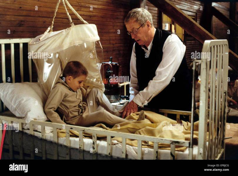 The Cider House Rules And Michael Caine Stock Photos   The Cider     MICHAEL CAINE THE CIDER HOUSE RULES  1999    Stock Image