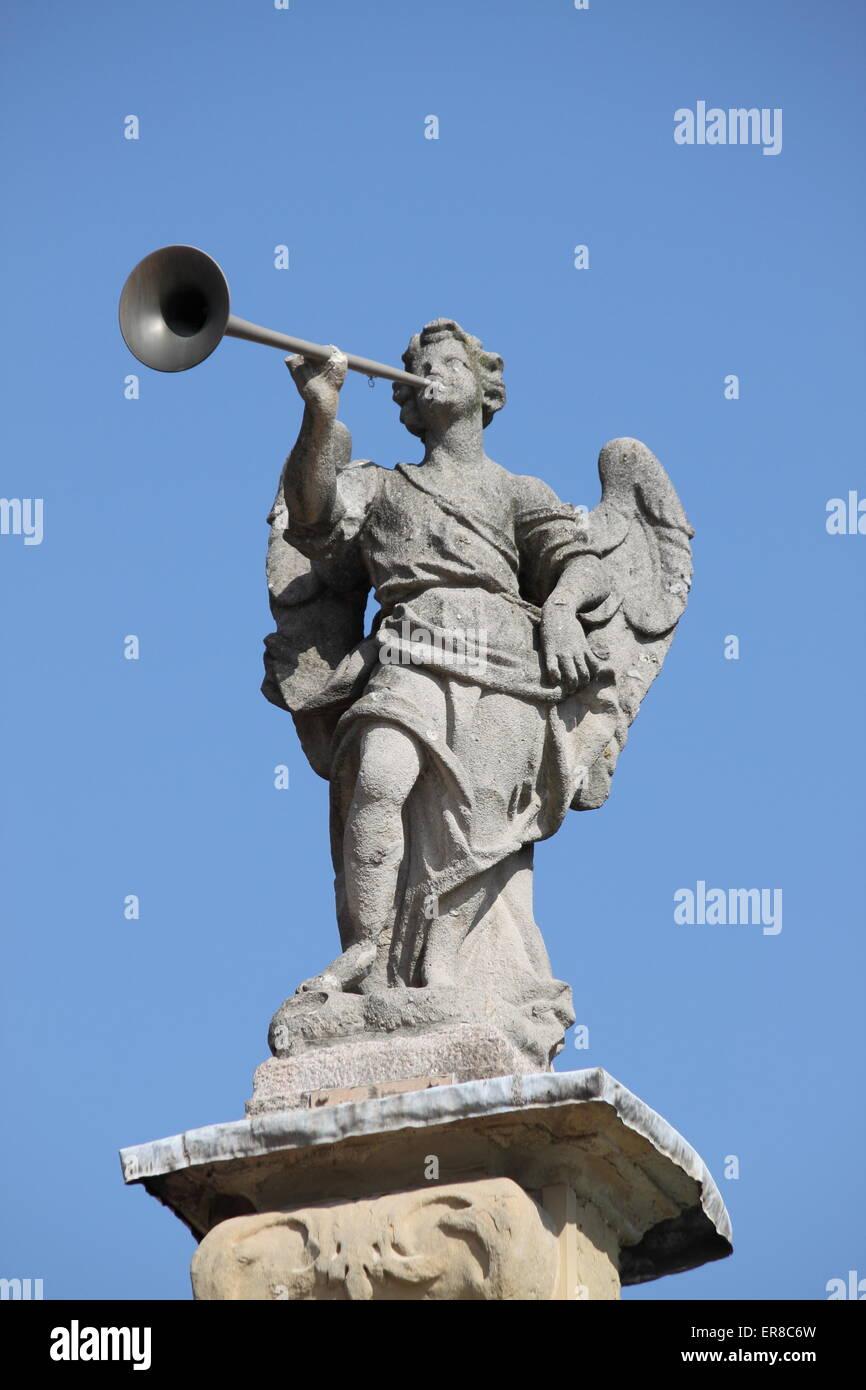 Angels Blowing Trumpets Figure