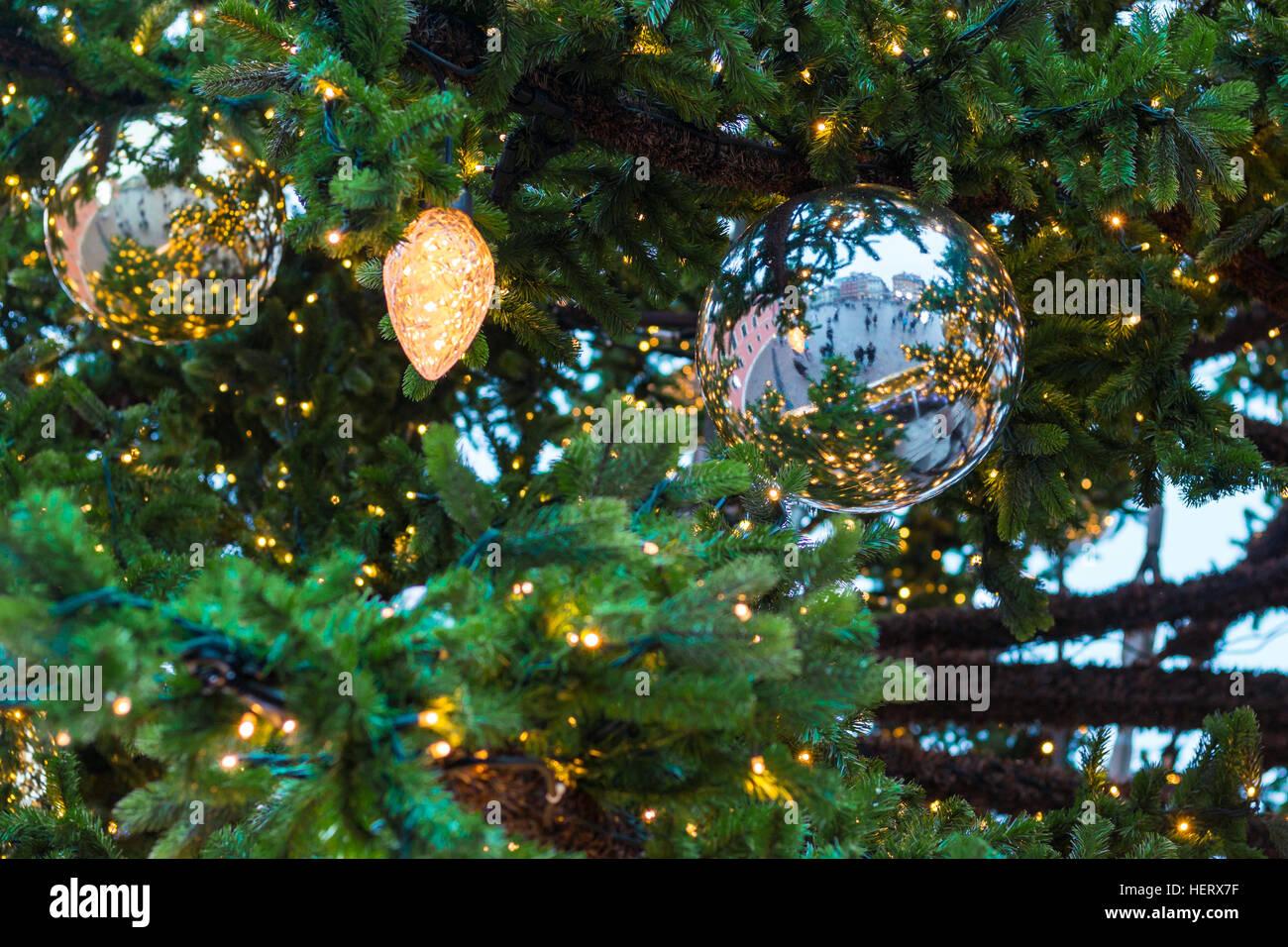 extra large ceramic christmas tree lights - Large Ceramic Christmas Tree