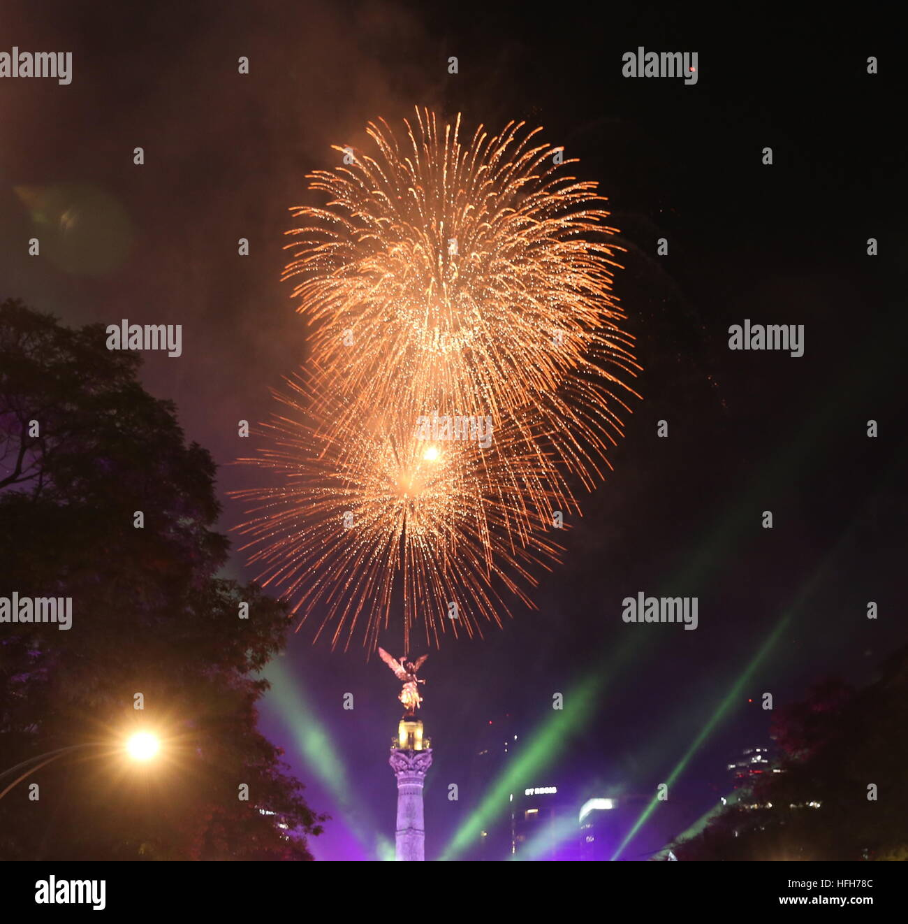 Mexico City  Mexico  1st Jan  2017  Fireworks are seen during New     Mexico City  Mexico  1st Jan  2017  Fireworks are seen during New Year  celebration in Mexico City  capital of Mexico  Jan  1  2017