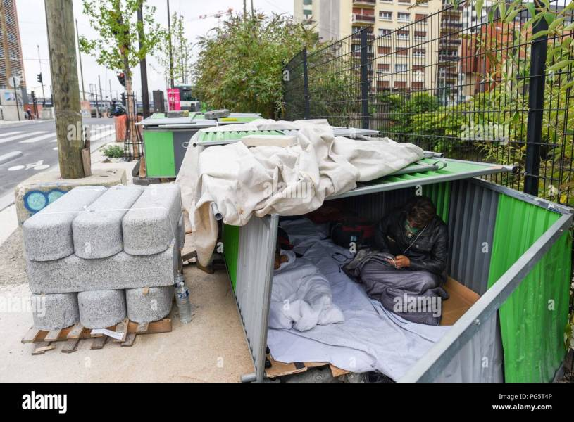 Refugees Camp Paris Stock Photos   Refugees Camp Paris Stock Images     August 14  2018   Paris  France  Afghan migrants in a makeshift camp near