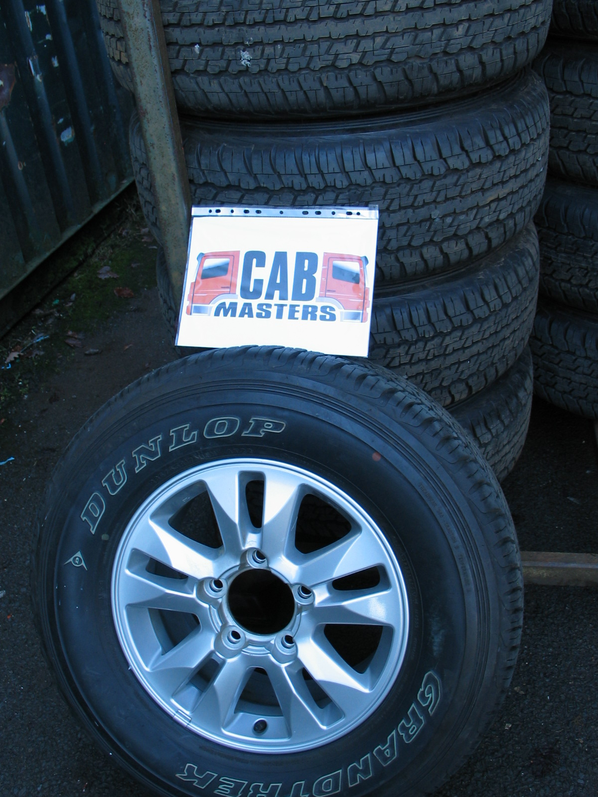 Toyota Land Cruiser V8 17 Wheels And Tyres