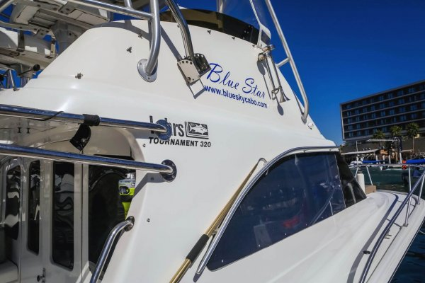 Blue Star – 32 Foot Luhrs