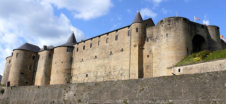 Sedan Travel Guide France Eupedia