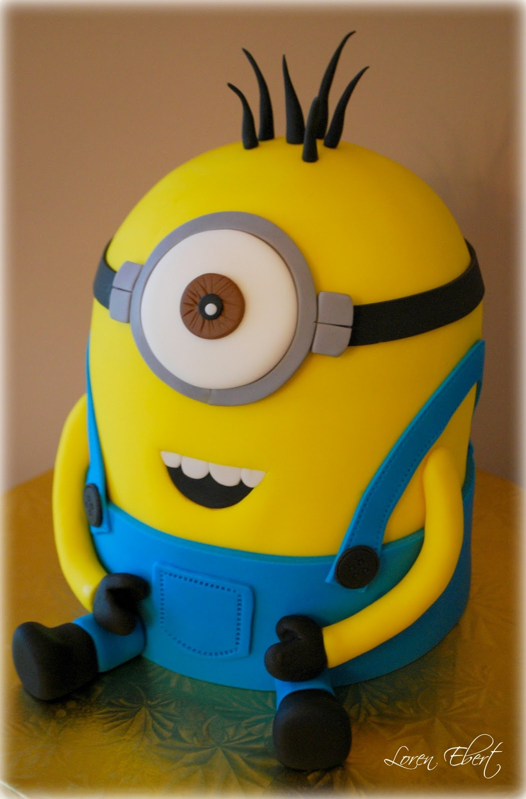 Despicable Me Cake By Loren Ebert Cakejournal Com