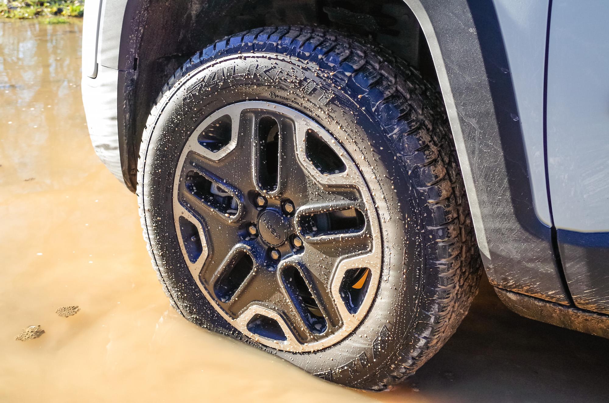 Canadian Auto Tire