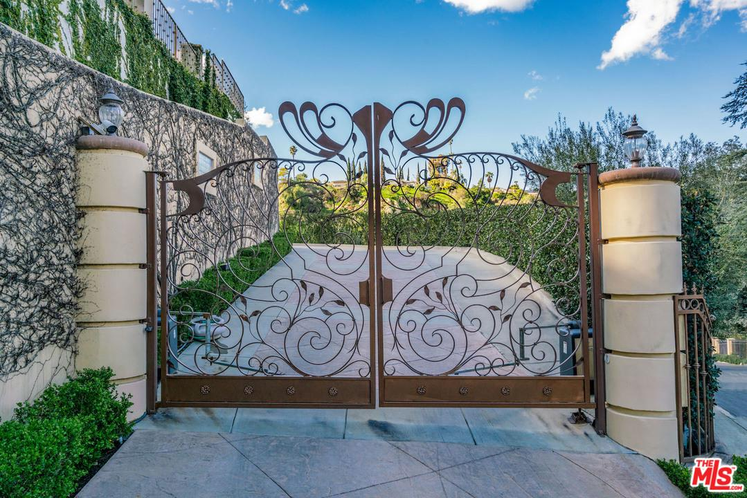 3457 White Rose Way Encino Ca 91436 Sotheby S International Realty Inc