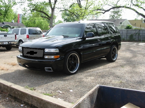 2000 Red Chevy Tahoe Job Matte Paint