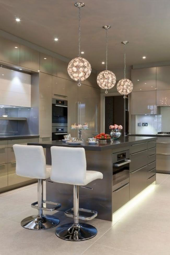 Modern U Shaped Kitchen