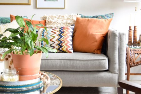7 Easy Fall Decorating Ideas For The Living Room and Entryway   Casa     fall decorating tips for global style living room