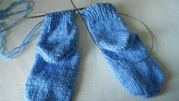 Neulonta sukat pyöreillä puoleisilla