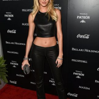 Black Blouse Shirt of Candice Swanepoel