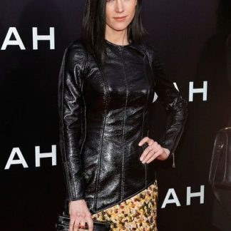 Jennifer Connelly Black Top with Sleeves