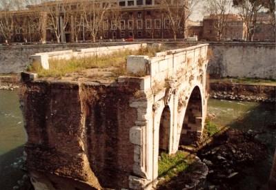Ancient Rome Pictures: Tiber River, Island, Bridges