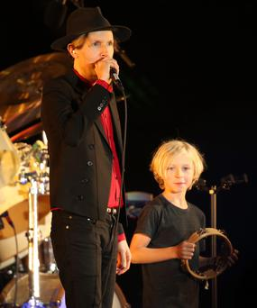 What a cute cameo – Beck's 10-year-old son Cosimo joins ...