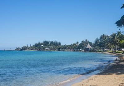 Plage de l'Anse Vata, à Nouméa en Nouvelle-Calédonie ...