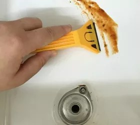 Razor Cleaning Stove Tops