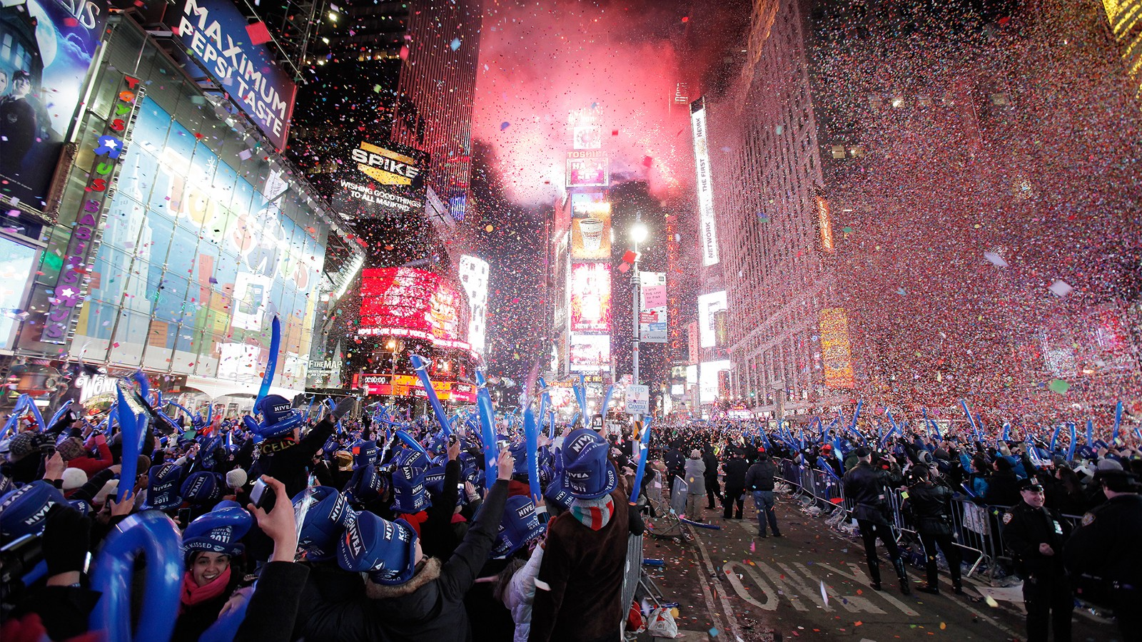 The Ultimate New Year s Eve Guide In NYC     Tony Bowles     Medium New York City is the place to be for New Year s Eve  There is so much to do  on this day  but lucky for you we gathered a few exclusive events that
