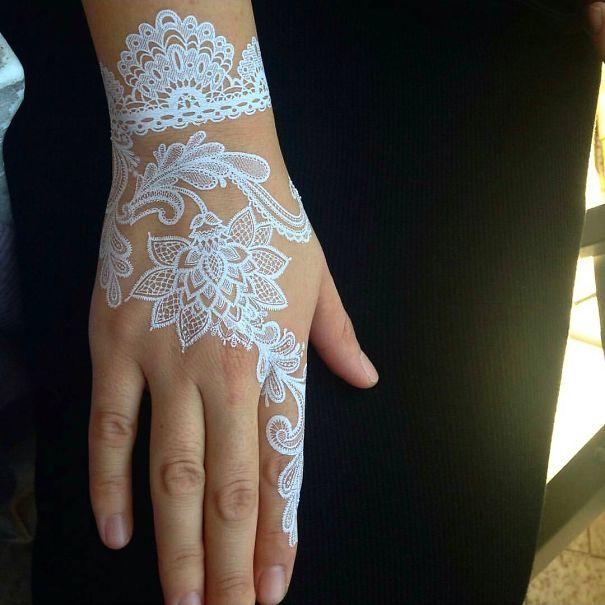 30 Stunning White Henna Inspired Tattoos That Look Like