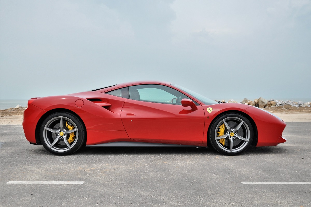 Test Drive Review : Ferrari 488 GTB - Autoworld.com.my