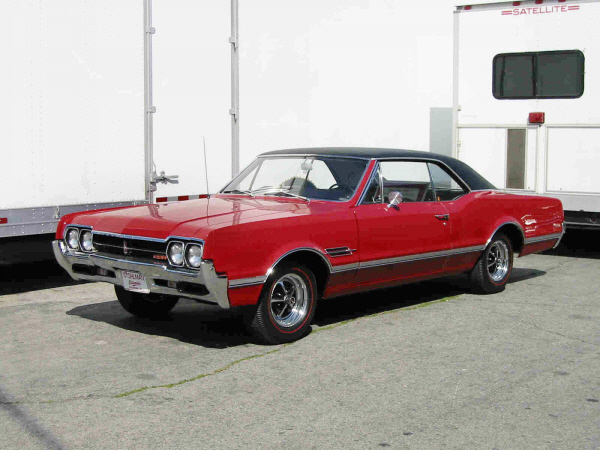 Lot  198 1966 OLDSMOBILE 442 W30 COUPE     1966 OLDSMOBILE 442 W30 COUPE   Front 3 4   24379