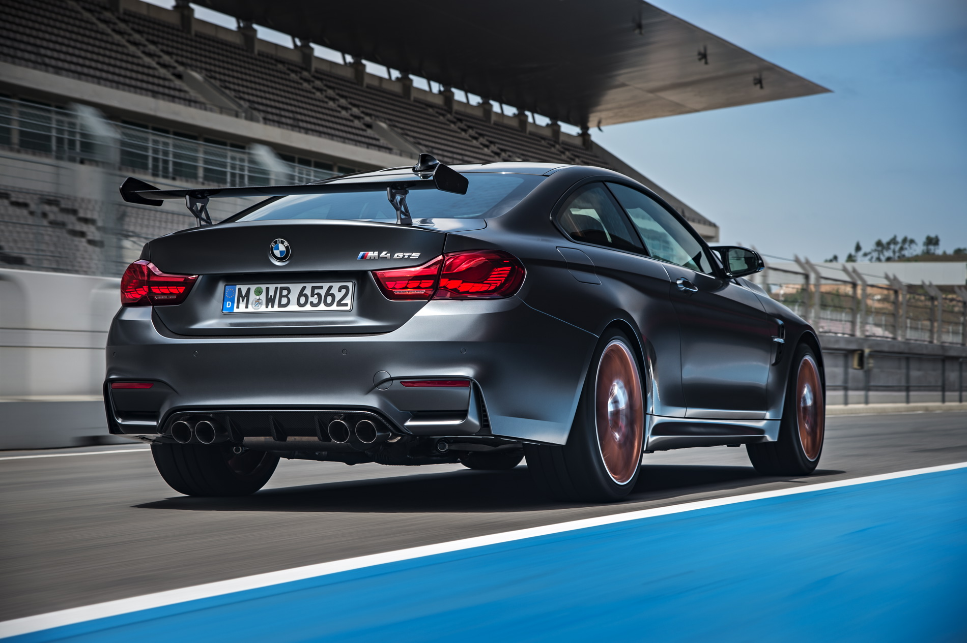 How Hardcore Enthusiasts Can Get Their Hands On The Bmw M4 Gts