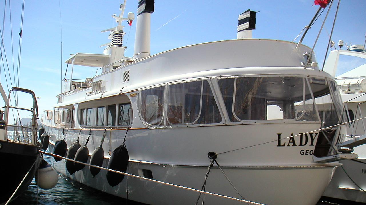 Christmas Boat Yacht Show