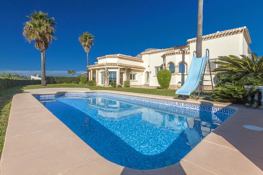 Holiday Villas Uk Private Pool