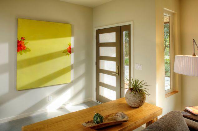 No Entryway Living Room