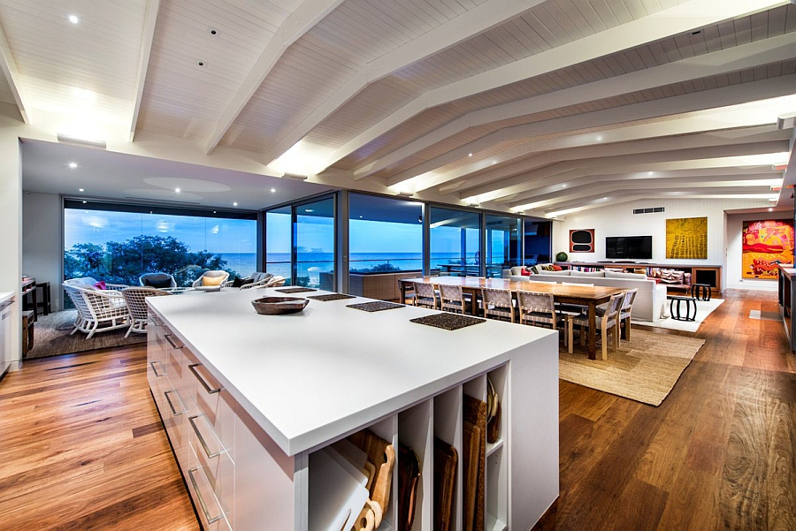 Private Beach House With Ocean Views And A Woodsy Silhouette