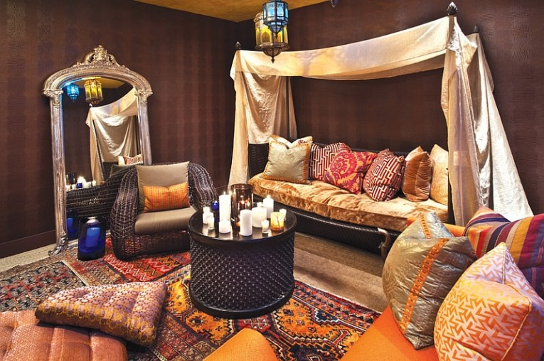 Moroccan Living Rooms Ideas  Photos  Decor And Inspirations View in gallery Cozy ambiance of the colorful Moroccan living room in  Chicago
