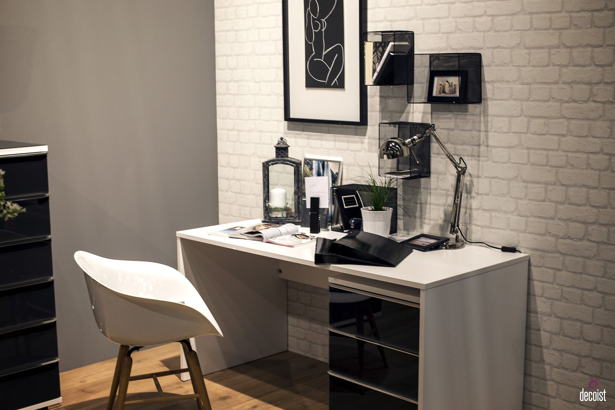 Hallway To Home Office 20 Space Savvy Desks For An