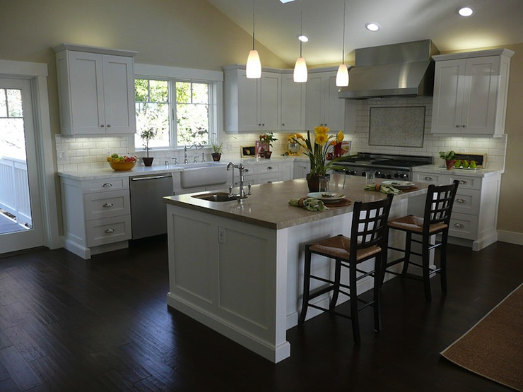 L Shaped Fitted Kitchen
