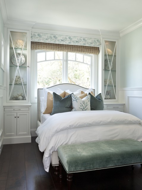 Bed In Front Of Window Cottage Bedroom Barclay Butera