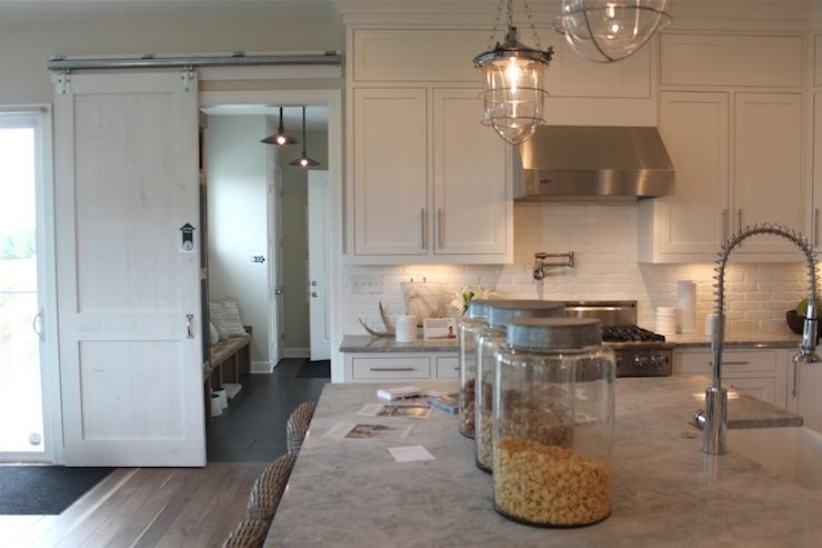 Contemporary Kitchen Accessories Decor