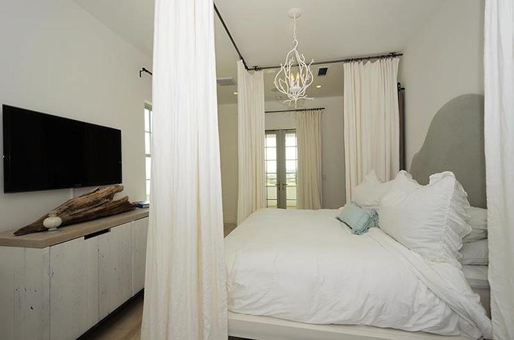 Bedroom Sets Queen Canopy