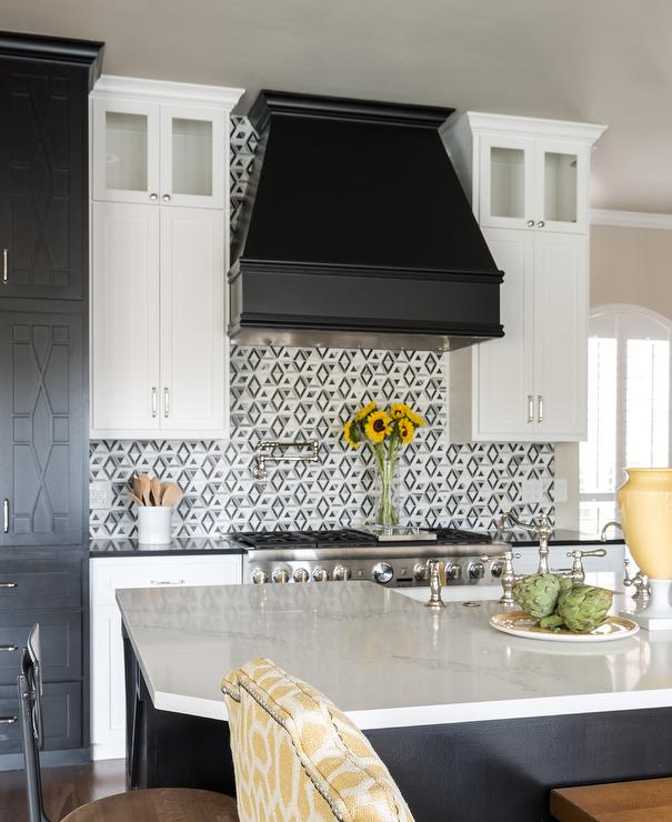 White Upper Cabinets Black Lower Cabinets Contemporary