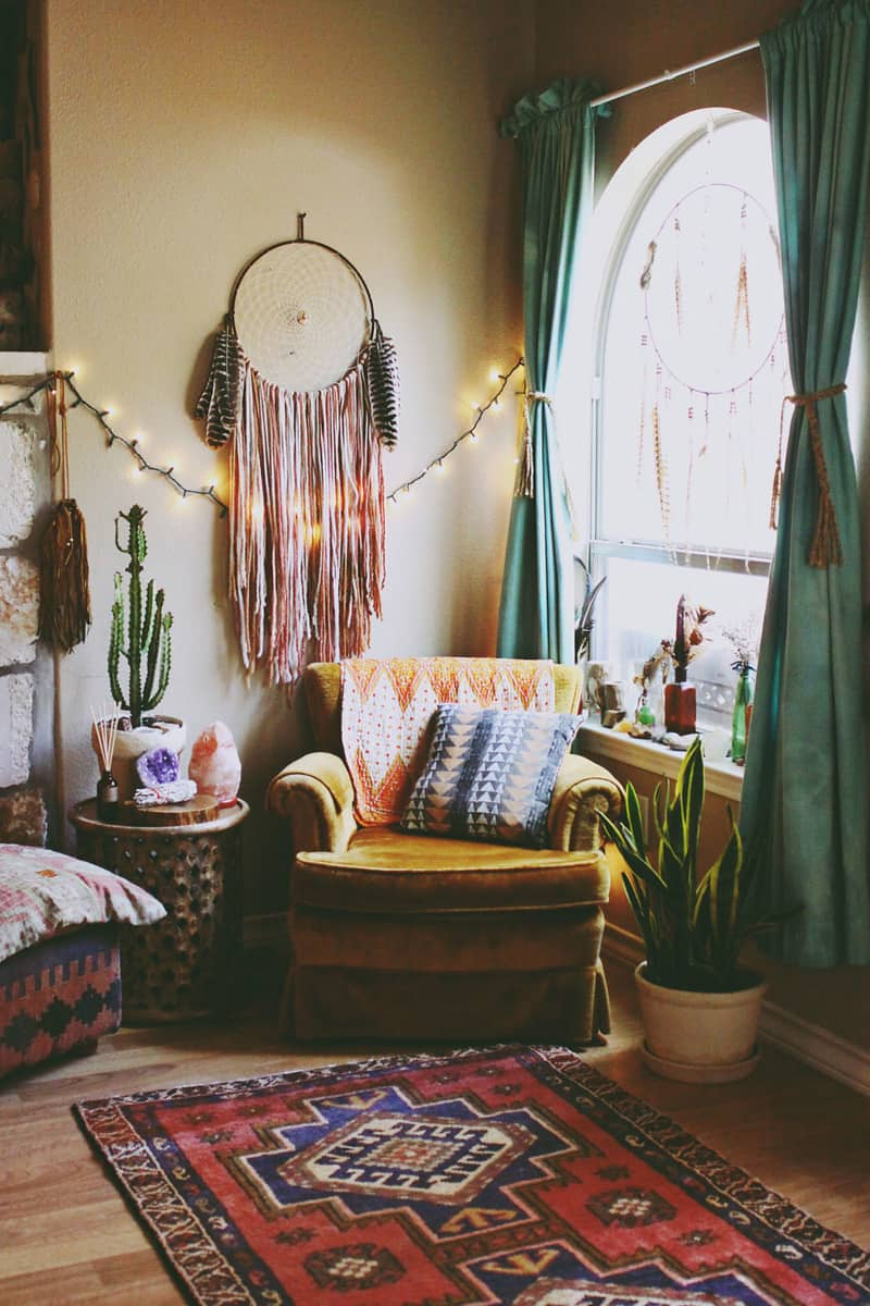 Comprehensive Bohemian Style Interiors Guide To Use In Your Home Advertisement