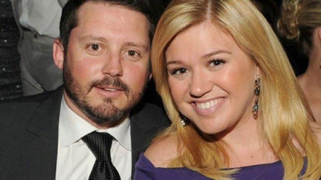 Kelly Clarkson Jadi Ibu Yang Tangguh Untuk Sang Anak