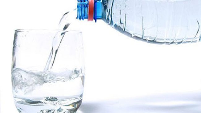 Sehatkan Kulit Wajah Dengan Perbanyak Minum Air Putih