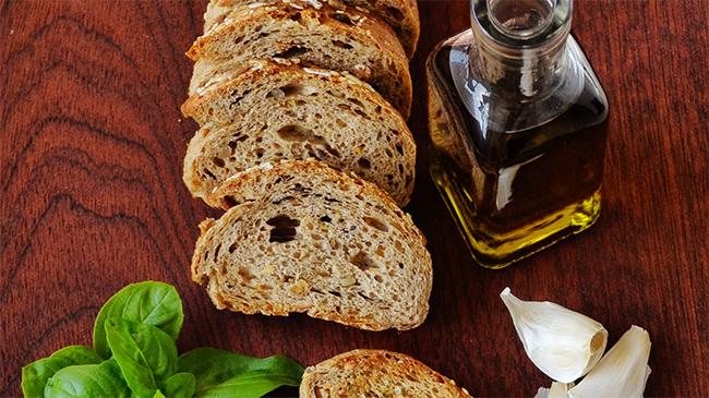 Resep Garlic Bread Sederhana Yang Paling Diburu